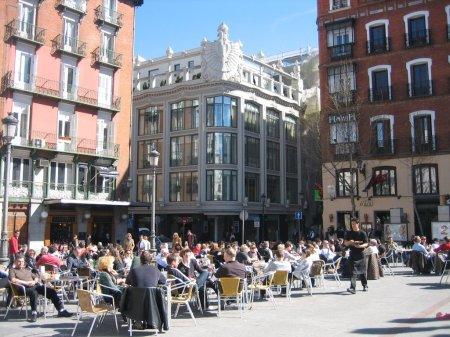Plaza Santa Ana, terrazas.